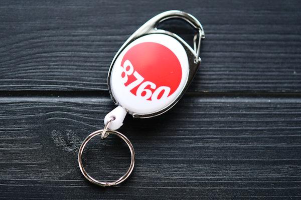 Yoyo badge reel with custom logo