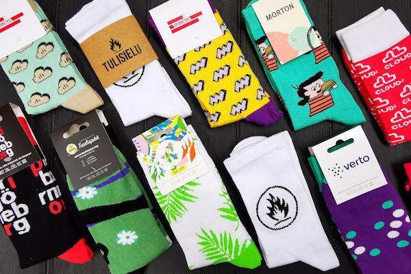 Woven socks with custom logo, custom socks packaging